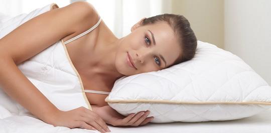 Влияние размера и наполнителя подушки на здоровый сон