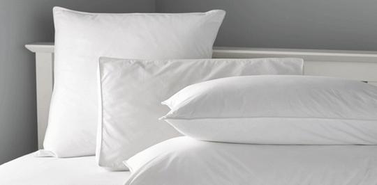 Специалисты интернет-магазина Sweet home подскажут Вам какой наполнитель лучший в подушках для гостиниц