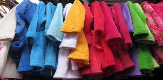 Цвет женского махрового халата: как он влияет на эмоциональное состояние владельца?