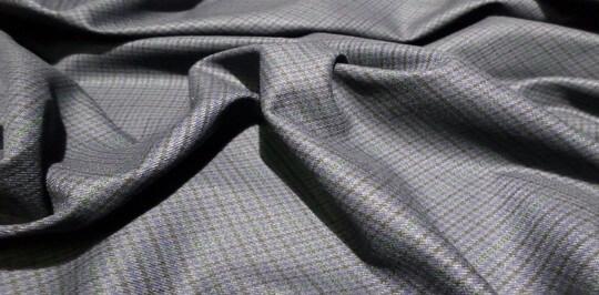 Так ли страшна ткань из полиэстера и какие есть условия использования ее в домашних условиях.
