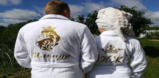Какой домашний халат купить лучше: махровый или велюровый?