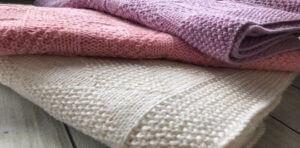 Есть много видов и материалов из которых производят полотенца для гостиниц. Узнайте из статьи, какие самые оптимальные.