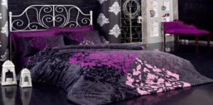 Множество вариаций может быть разыграно в номере. Поможет в этом деле тектиль для гостиниц одинаковых расцветок.