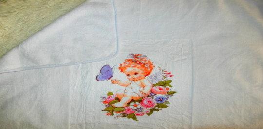 Полотенца для крещения могут быть с подшитим капюшоном или без.